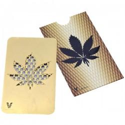 Grinder tarjeta con la hoja de Cannabis